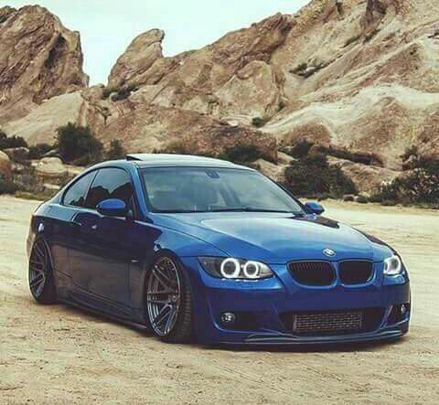 BMW E92 3 series blue slammed