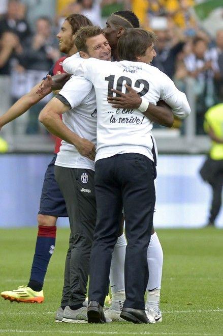 18/05/2014 Torino, Juventus Stadium..Juventus, festa scudetto in campo con invasione degli ultrà