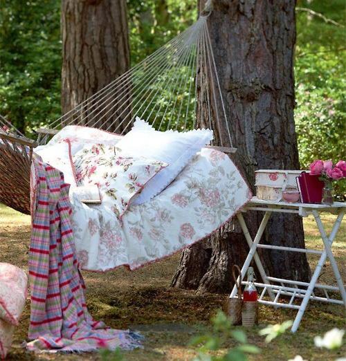 Outdoor Bedroom Decor