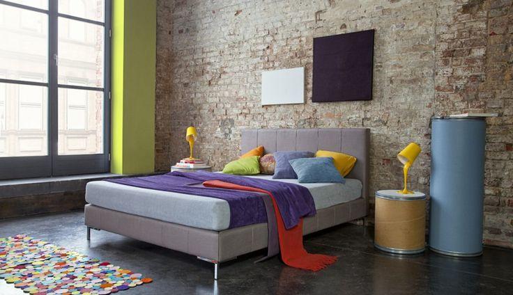 Nowoczesne łóżko o wyrafinowanym designie. Propozycja firmy Dormi Design.