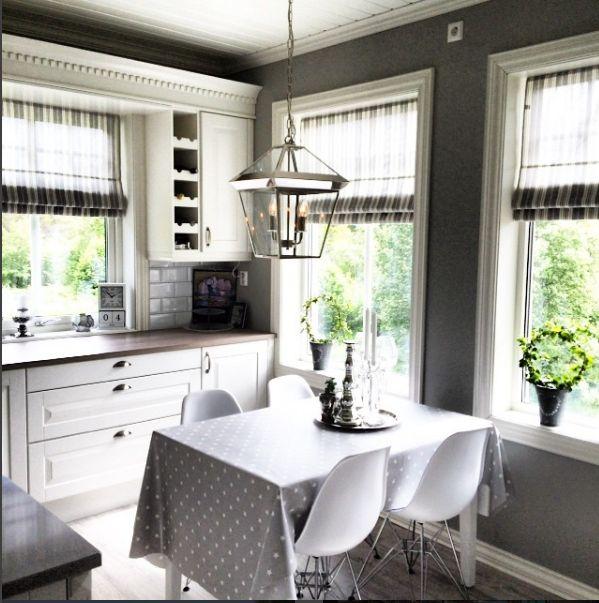 Credit: @tia135 via instagram.  Herregård kjøkken. Levert av Studio Sigdal Ålesund. Designet av Tommy Eide Andersen