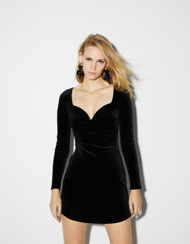 65ccc6a7b Velvet sweetheart neckline dress - Bershka  newin  trend  trendy  cool   fashion  aw18  outfit  ideas  inspiration  dressy  party  holidays  fiesta  ...