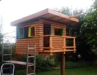 die besten 17 ideen zu kinderspielhaus auf pinterest spielhaus im freien spielh user und. Black Bedroom Furniture Sets. Home Design Ideas