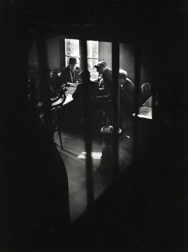 Willy Ronis  Café de la rue des cascades. Belleville, Ménilmontant. 1948
