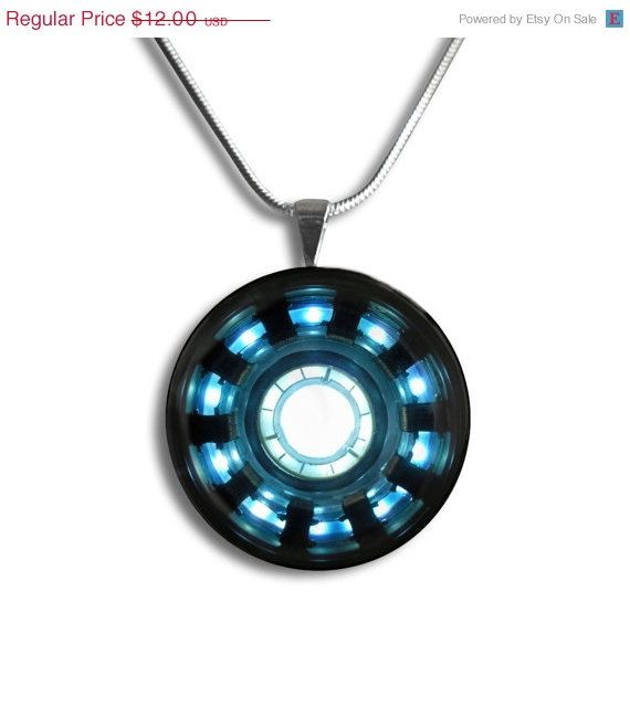 SPRING SALE Iron Man Inspired Necklace Tony Stark por froshjewels