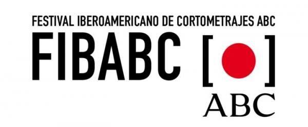 El beso que me busca concursa en la VII edición del Festival Internacional FIBABC.   La VII edición de FIBABC Festival Iberoamericano de Cortometrajes de ABC.es dura hasta el 19 de mayo del 2017. ABC informará del desarrollo de esta fase a través de la Web del Festival. El ganador conseguirá su pasaporte para poder presentarse a los Goya al Mejor Cortometraje de Ficción.    Festival Iberoamericano de Cortometrajes de ABC.es   ENLACE: http://fibabc.abc.es/videos/beso-busca-7146.html   Nuestro…