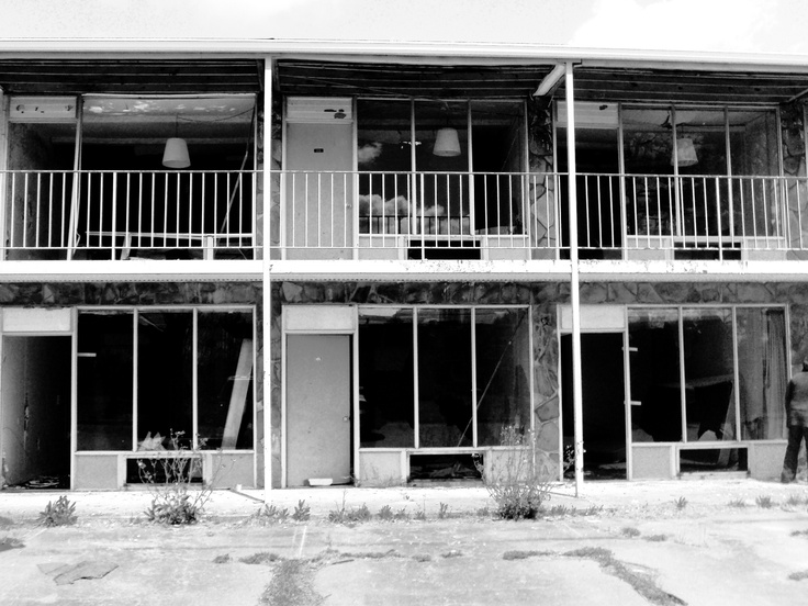 creepy motelCreepy Motel