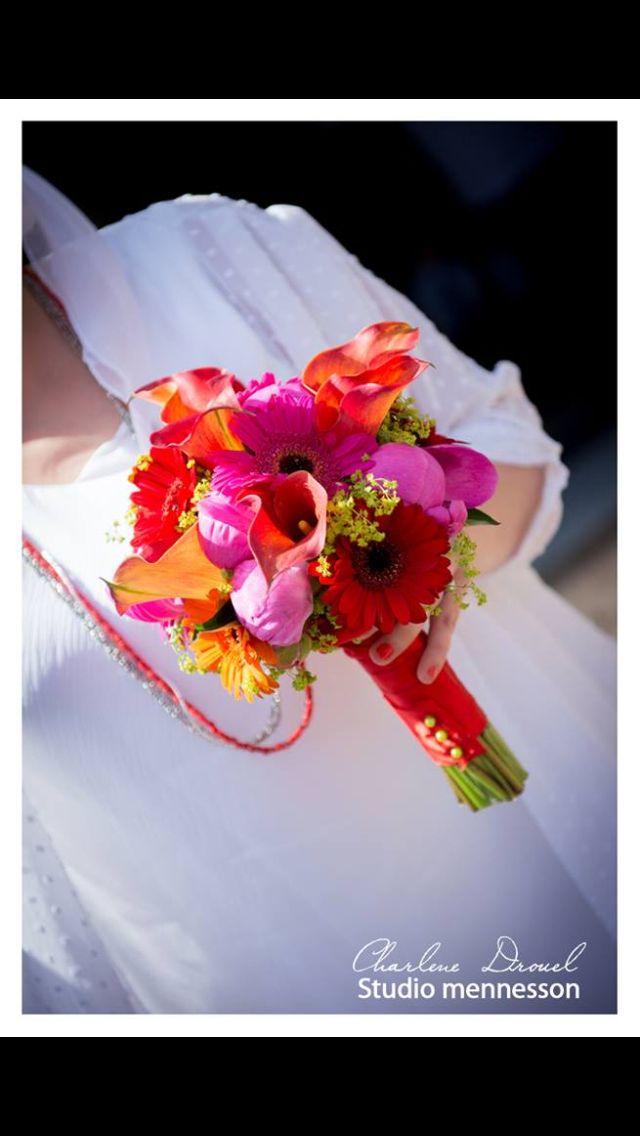 Bouquet de mariée champêtre Fushia orange et rouge Art floral Cormontreuil