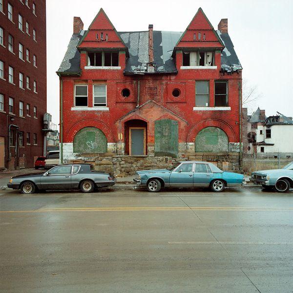 100 Abandoned Houses | Feel Desain