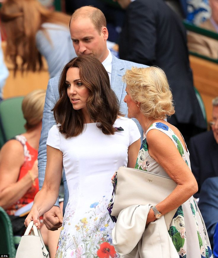 Gill Brook, wife of the chairman of the AELTC, showed the royal couple to their seats ahead of Federer's game