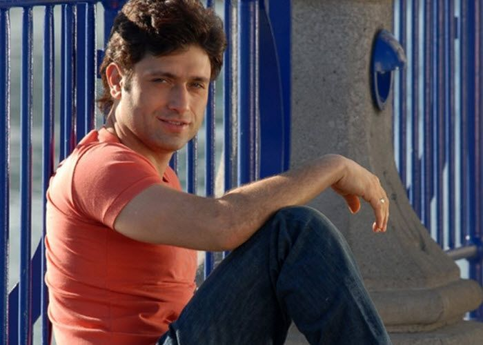 Shiney ahuja in pose
