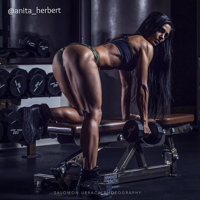 Hot flex body girl lat