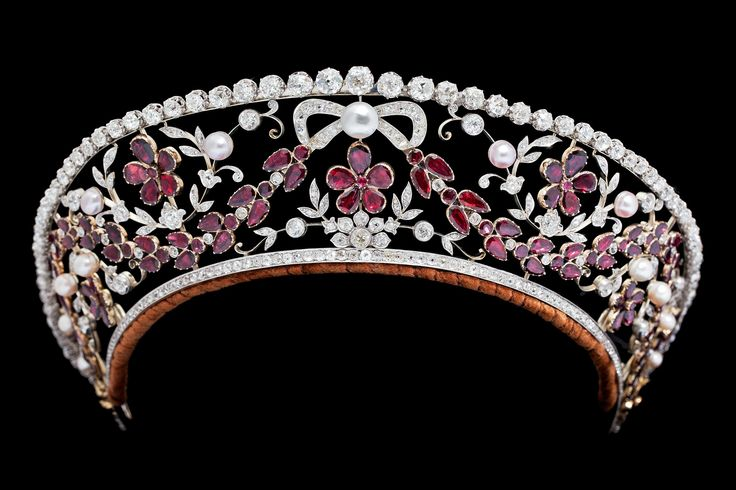 Tiara belonged to Danish Countess Ruth of Rosenborg made in 1930's by Dragsted.