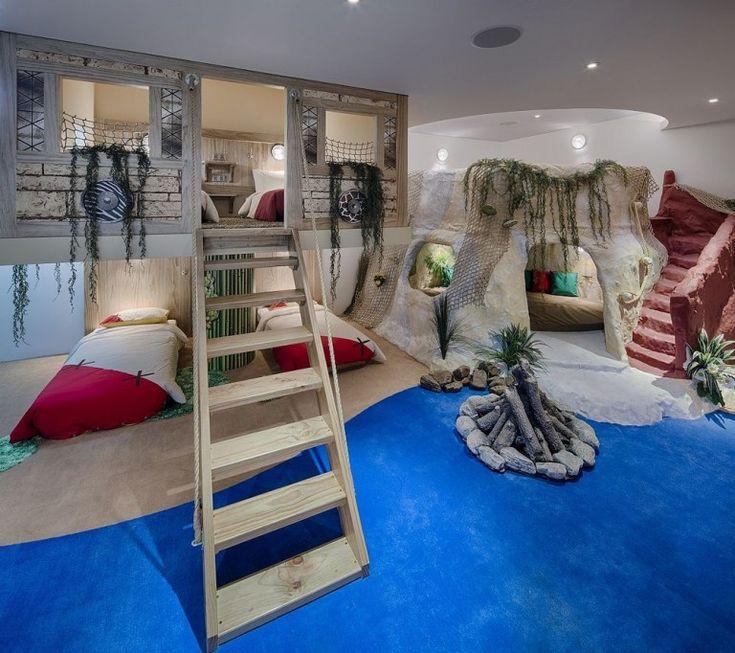 21 amazing treehouse accommodations  treehouse hotel