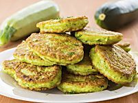 Pancake alle zucchine: la ricetta perfetta per un aperitivo gustoso e sano (Foto)