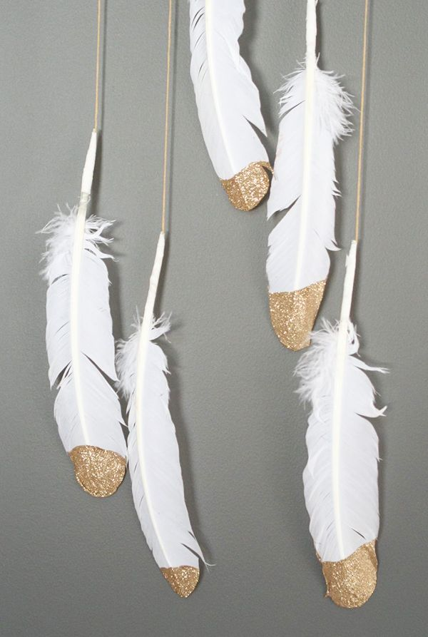 DIY: gold dipped feather mobile