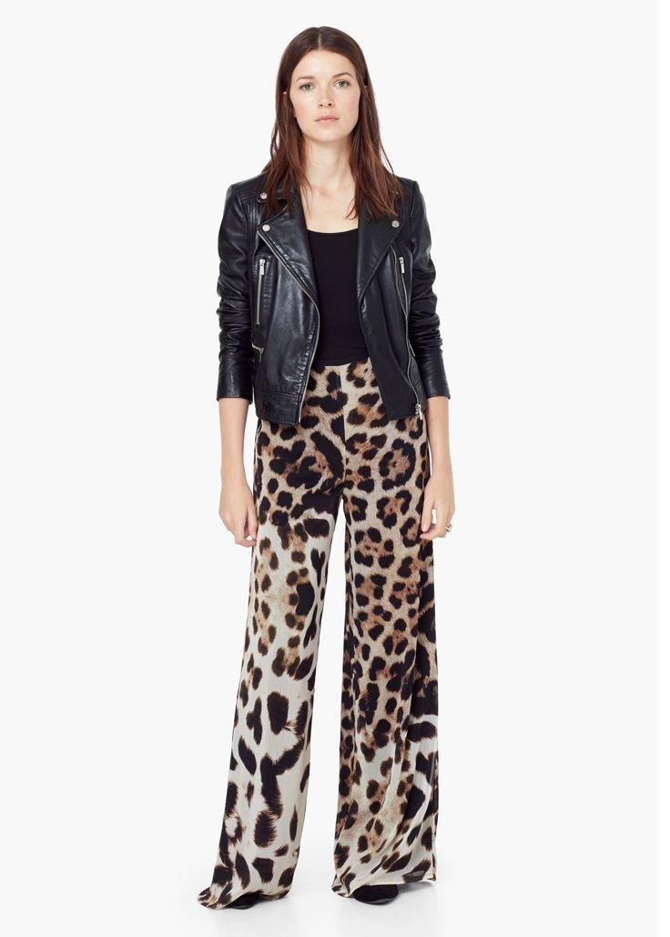 Apuesta por los maxi pantalones en tus looks seventies