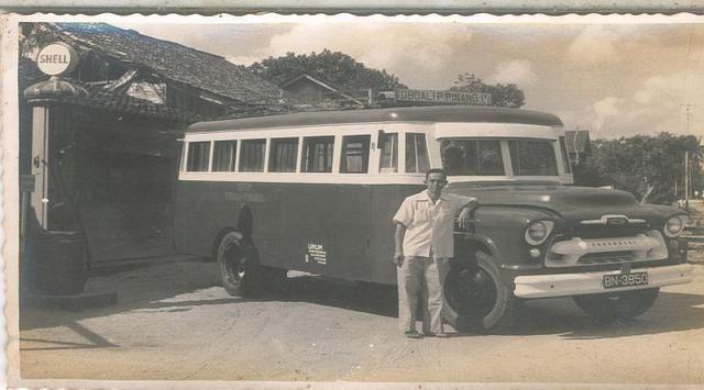 Jejak Sejarah Bus Chevrolet Dan Gmc Di Indonesia Bus Tangguh Penakluk Medan Pegunungan Chevrolet Pulau Bangka Sejarah