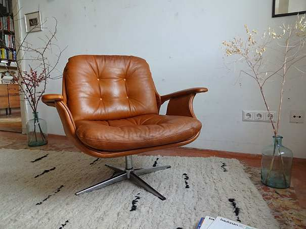 guy brown office chairs baby sitting chair in car need an id on this lounge found it austria so may be european who sold told me wittmann or wk anyone have any clues