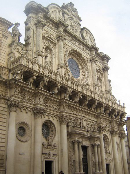 Базилика дель Санта Кроче в Лечче в Италии