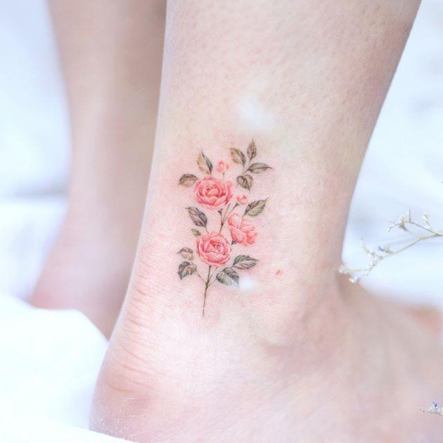 겹동백꽃 Camellia Watercolortattoo Koreantattoo Flowertattoo Tattoos For Women Tattoos For Women Small Tattoos