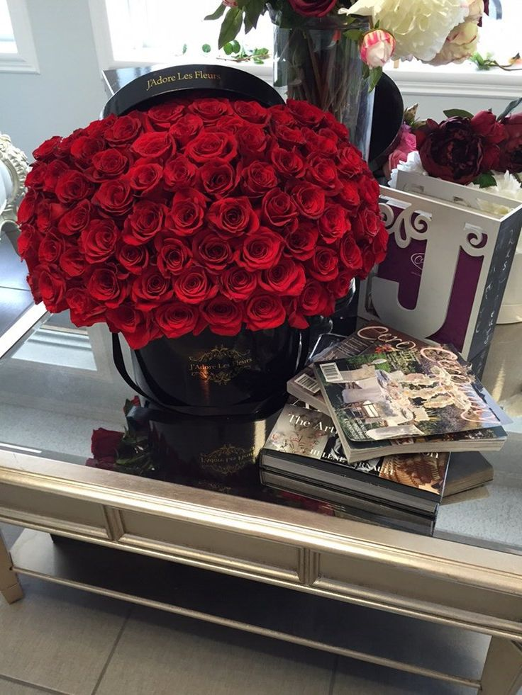 J'Adore Les Fleurs - Studio City, CA, United States. 100 roses in a box!