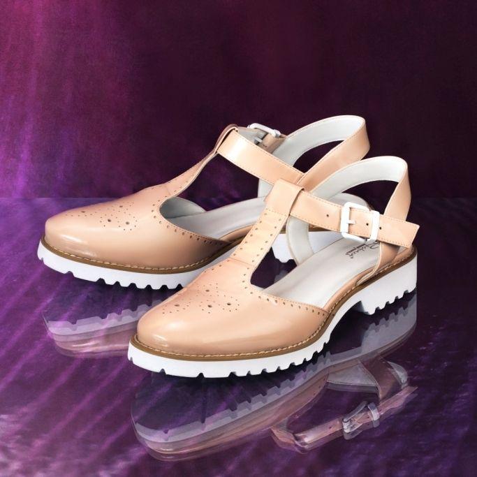 Стильные и удобные сандалии телесного цвета✨идеальны для пеших прогулок в парке в теплые солнечные дни 🌴 ☀🌴 Арт:5018-705-8501ББЖ/8 #respectshoes #iloverespect #shoes #ss17 #shopping #обувьреспект #шоппинг #мода #лето #летовrespectshoes