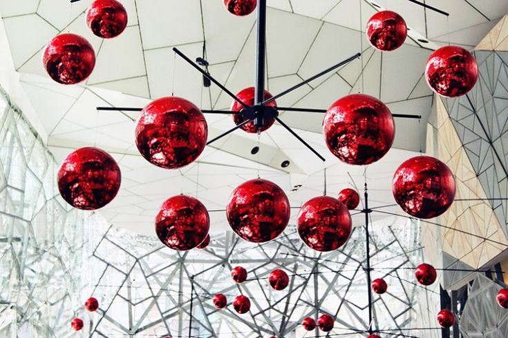Wielki świąteczny hit – bombki XXL | Inspirowani Naturą | christmas decor for cities - large baubles by TerraChristmas.com
