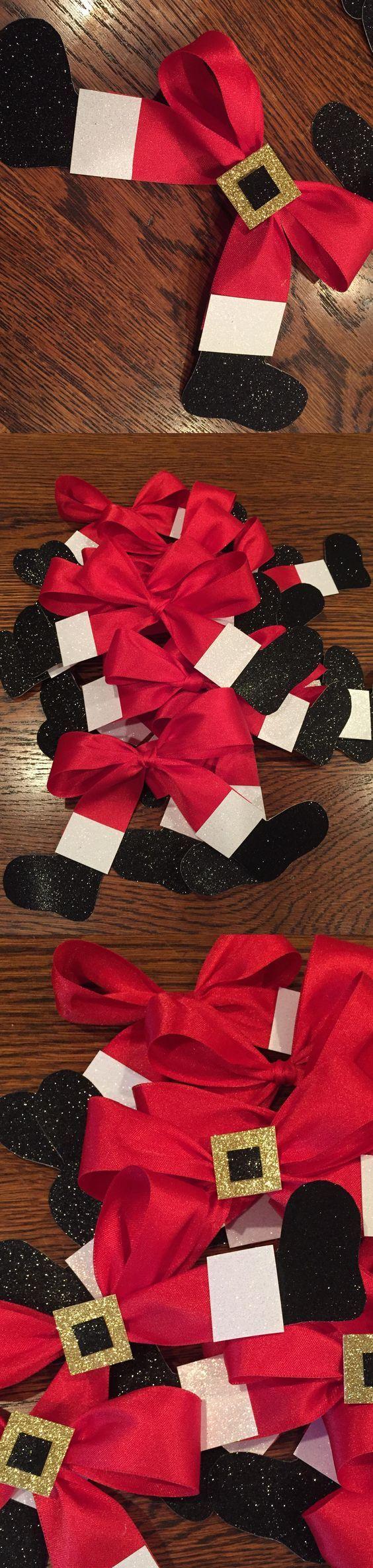 Santa Bow Wreath Wall Hanging.