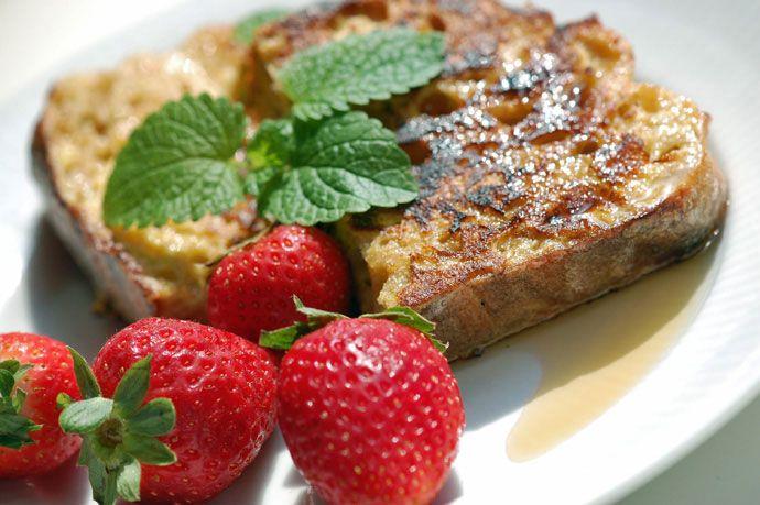 Min opskrift på French Toast også kaldet Arme Riddere - lækker til second breakfast, brunch eller eftermiddagssnack - få opskrift her