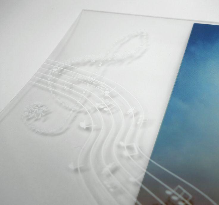 Impression quadrie et encre blanche sur papier Folex Digiprint IG/PVK