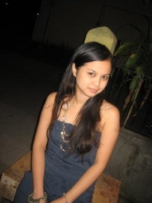 Lynn - busty Filipino slut living in hawaii