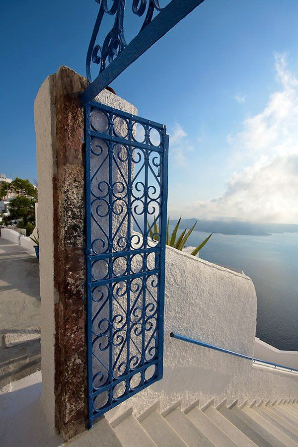 Gate to the Aegean in Santorini