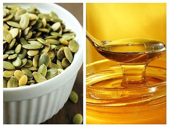 Un amestec ingenios și deopotrivă de gustos pe care îl putem face acasă este cel dintre miere și semințe de dovleac. Are efecte nutritive, energizante, antimicrobiene, antivirale, antioxidante și nutritive.