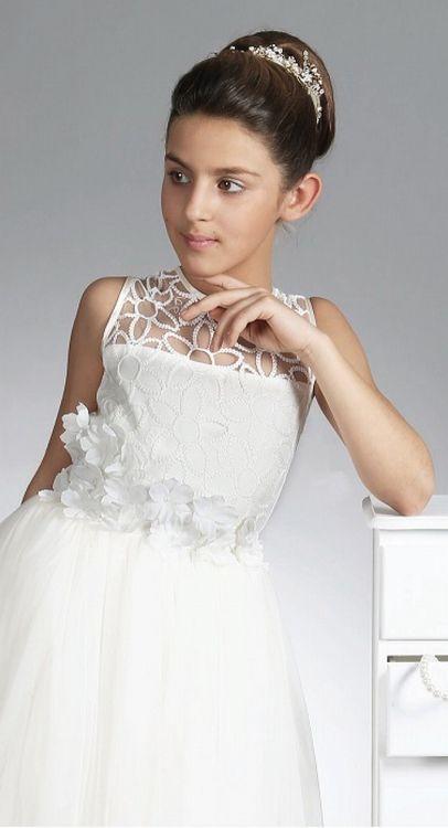 Een elegante jurk voor bruidsmeisjes of als communie jurk. Het heeft een prachtig lijfje met geborduurde tule en er zitten veel bloemetjes op. De rok is lang en wijd met tule. Deze jurk is er van babymaten tot en met maat 164/170. bruidskindermode.nl. Trouwen, bruiloft, huwelijk, communie, bruidsmeisjes, bruidsmeisje, bruidsmeisjesjurk, bruidskinderen, bruidskinderkleding, kinderbruidsmode, kinderbruidskleding, communiejurk.