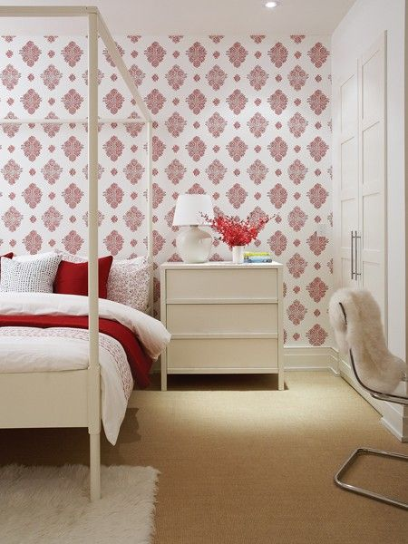 clean lines, great wallpaper, beautiful furnitureGuest Room, Wallpapers Bedrooms, Gorgeous Bedrooms, Red And White, Photos Gallery, Guest Bedrooms, Interiors Design, Budget Bedrooms, White Wallpapers