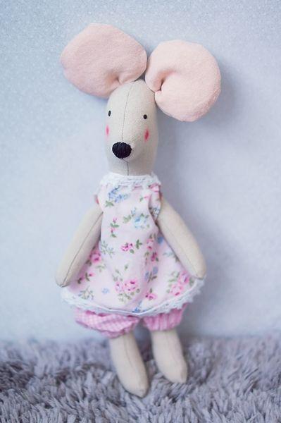 Mysia Pysia - myszka-przytulanka typu tilda w Manufaktura Domowa na DaWanda.com