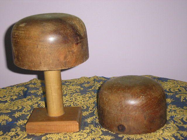 Antique wood hat block form. Forme à chapeau.