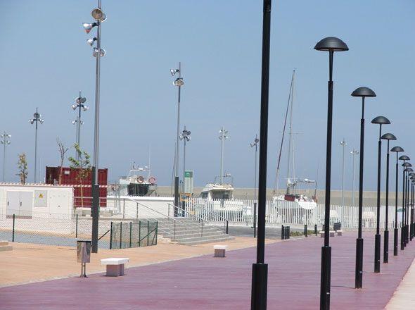 Luminaria Vialia Lira ILNBT32L - Luminarias - Alumbrado Público | BENITO URBAN