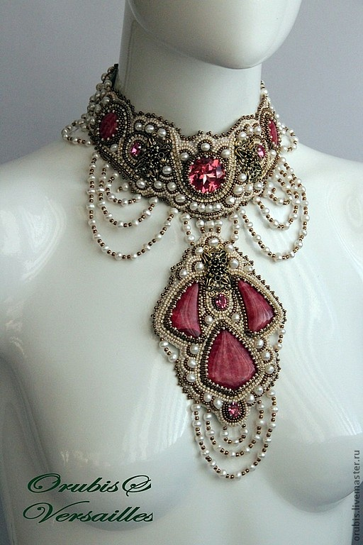 HANDMDE long beaded necklace for women.