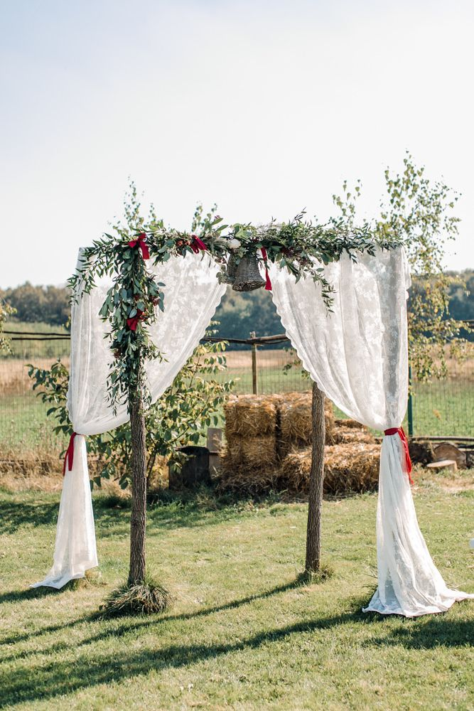 17 best images about aisle altar style on pinterest bespoke pronovias wedding dresses and - Traditional style wedding romania ...