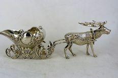 Zilveren tafelstuk rendier met arrenslee, 20e eeuw