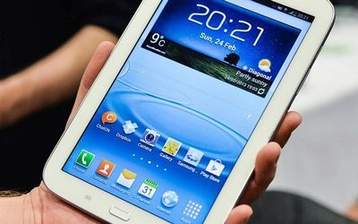 Samsung's Tab 3 tablet is a classic in-between type of device — smaller than a full-size tablet but bigger than smartphones, writes Paul Taylor http://ow.ly/ngUQL