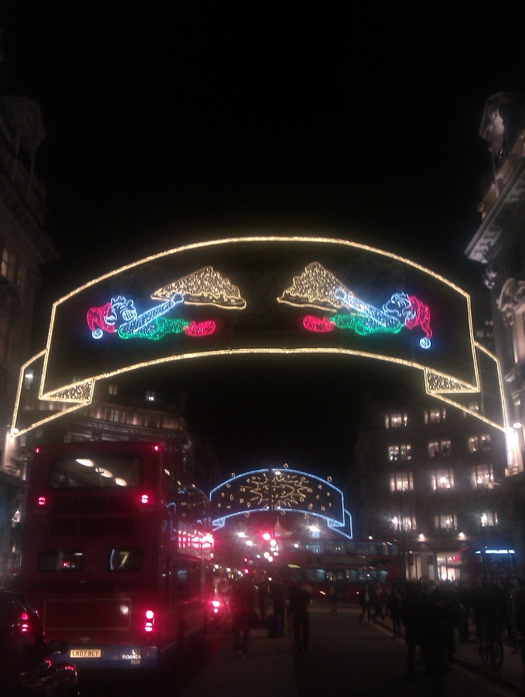 Oxford Circus Xmas Decorations 5