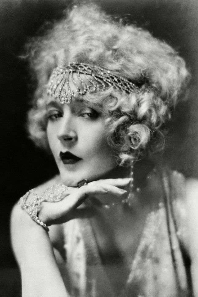 Mae Murray, 1925The original superstar pout, Mae Murray was known as the girl with the bee-stung lips. After beginning her career on Broadway, the constant showgirl became a Hollywood millionaire.