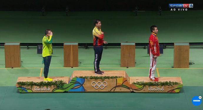 Felipe Wu, prata, tiro esportivo, pódio (Foto: Reprodução/SporTV)