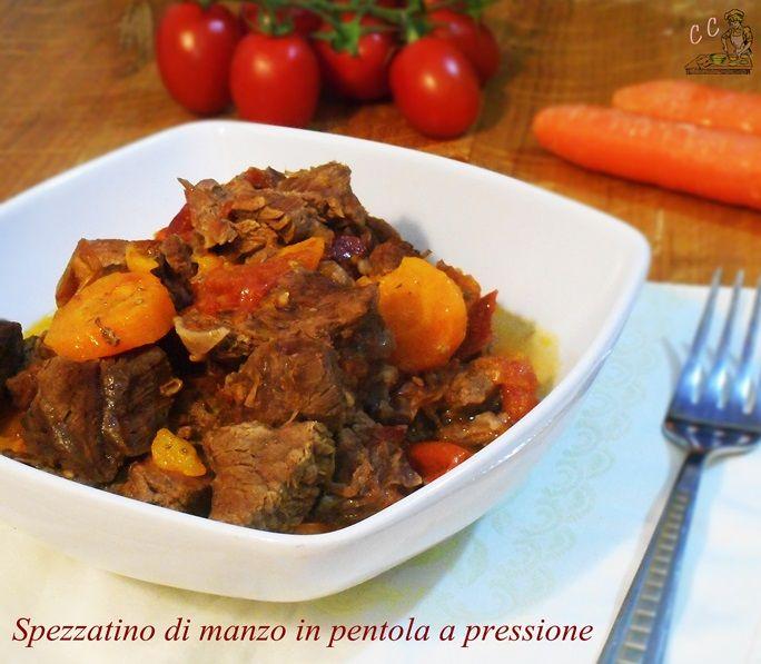 Spezzatino di manzo in pentola a pressione una ricetta veloce e semplice comodissima perchè non occorre mescolare sempre un secondo di carne
