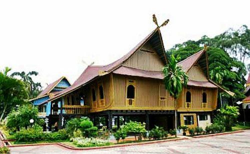 Rumah adat dari Provinsi Riau #PINdonesia