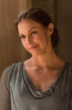 Natalie Prior  Création deVeronica Roth Origine Audacieux  Fraction Altruiste  Adapté par Ashley Judd
