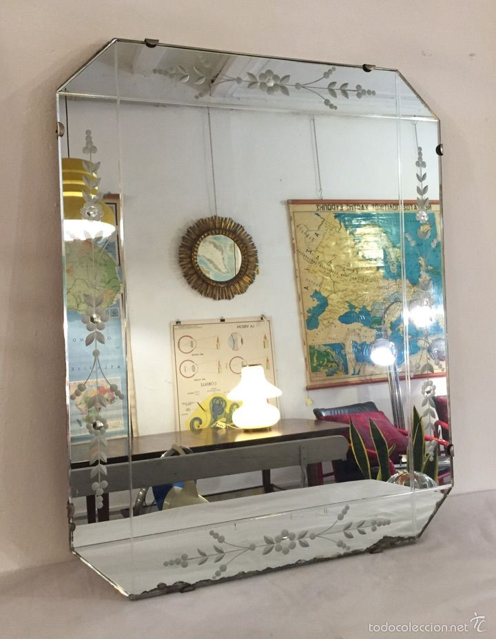 15 pines de espejos antiguos que no te puedes perder for Espejo pared habitacion